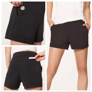 """Lululemon Minimal Short 3"""" Black  ~Size 6"""